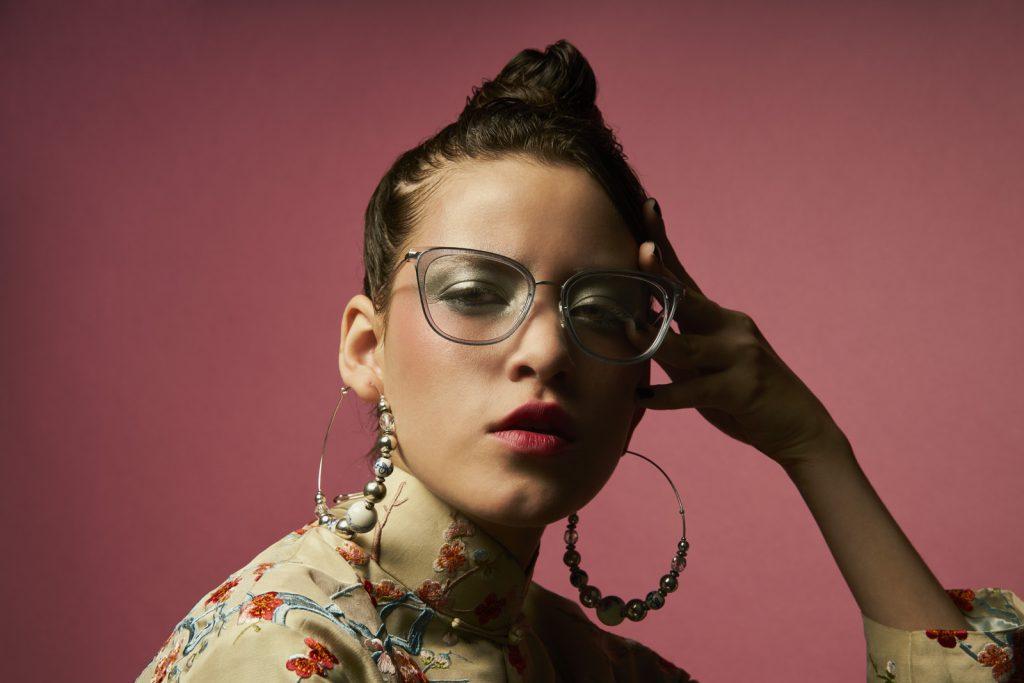 barton parreira womans glasses model kasey